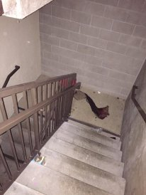 Messy stairwells. By Chan N. / Yelp.